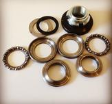 Repair kit steering bearings.
